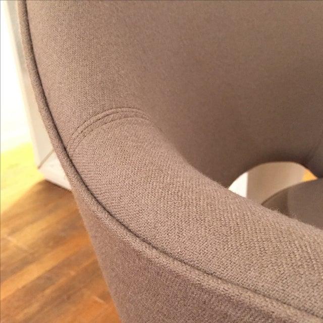 Knoll Saarinen Executive Armchairs - A Pair - Image 3 of 6