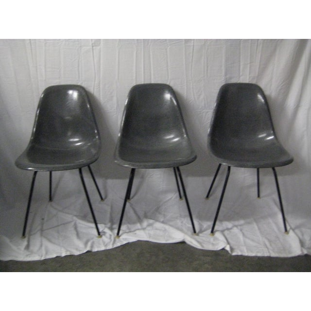 Herman Miller 1957 Mid-Century Modern Charles Eames Fiberglass Chairs - Set of 3 For Sale - Image 4 of 11