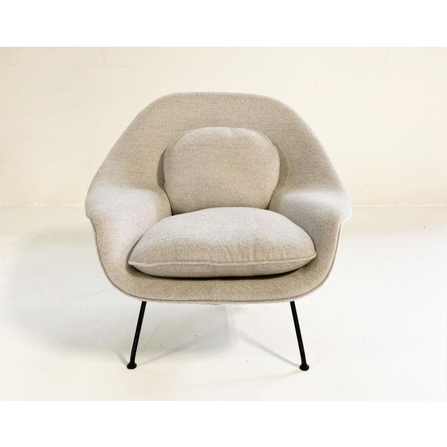 Mid 20th Century Eero Saarinen Womb Chair in Loro Piana Alpaca Wool For Sale - Image 5 of 13