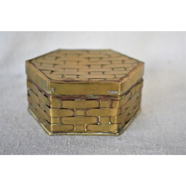 1970s 1970s Hexagon Brass Basketweave Box For Sale - Image 5 of 6