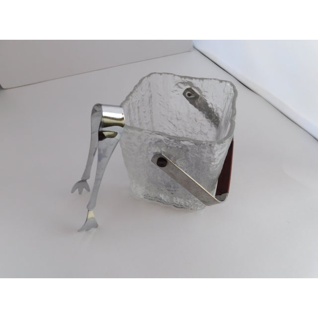 Mid Century Textured Hoya Glass Ice Bucket and Tongs For Sale In New York - Image 6 of 13
