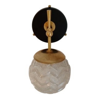 1960s Hollywood Regency Tres Chic Dutch Glass, Enamel and Brass Wall Sconce For Sale