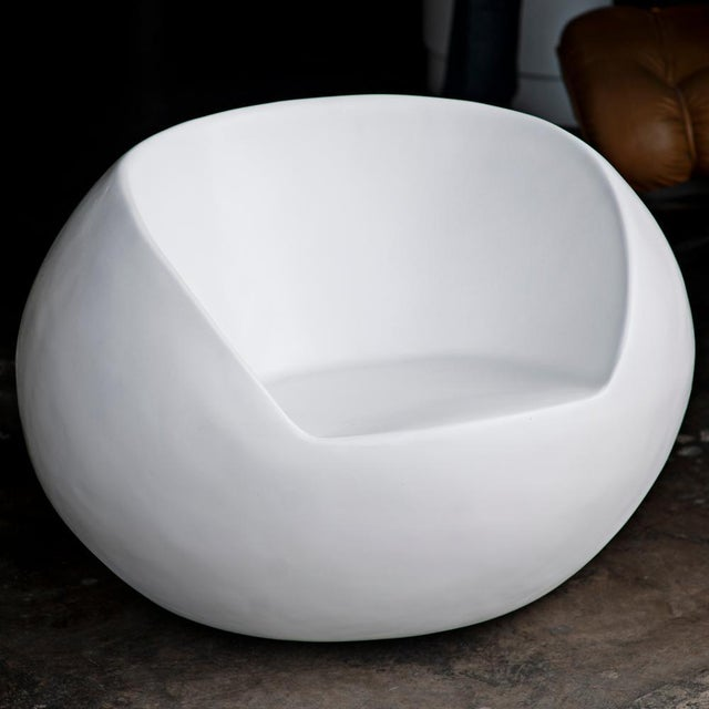 Mid-Century Modern 1960s Retro Fiberglass Orb Egg Chair For Sale - Image 3 of 5