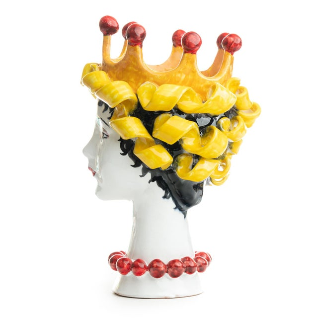 DESCRIPTION This d'arte ceramic sculpture with the crown is hand crafted by Ivana Dolfi in Montelupo, Italy. The modern...