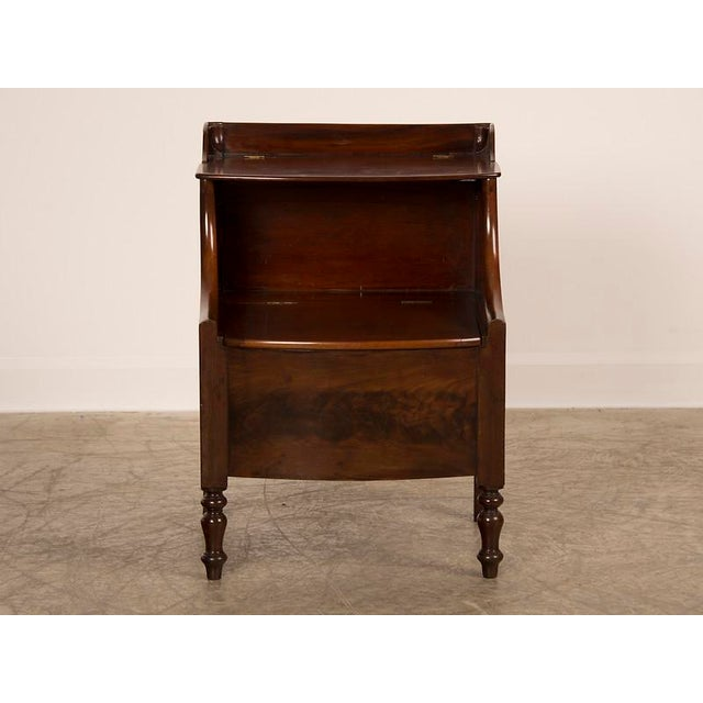 William IV period mahogany side cupboard from England c. 1840 For Sale - Image 4 of 9
