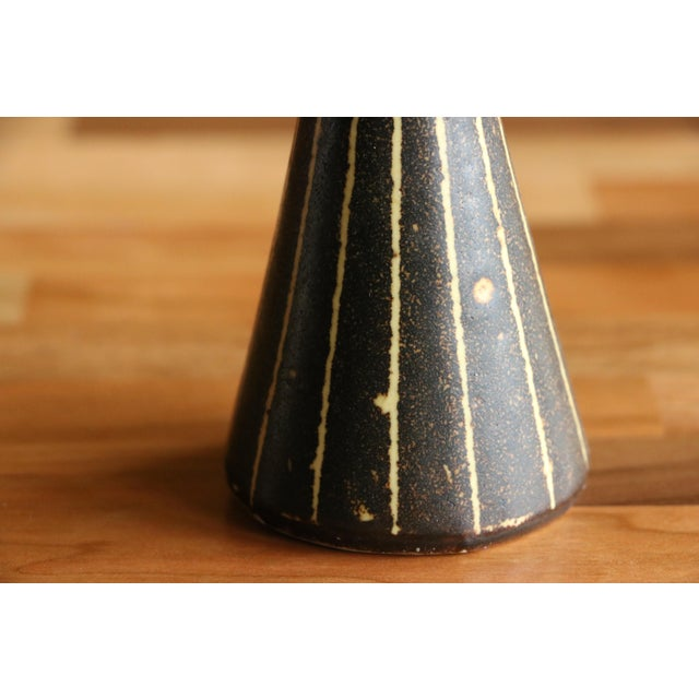 Mid-Century Modern Frank Mann Pottery Salt and Pepper Shakers For Sale - Image 3 of 6