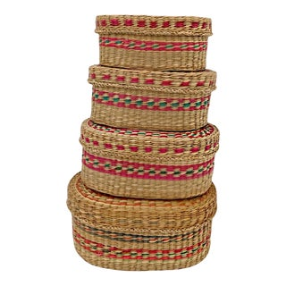 Vintage Sweet Grass Nesting / Stacking Baskets Lidded Boxes Small Storage - Set of 4 For Sale