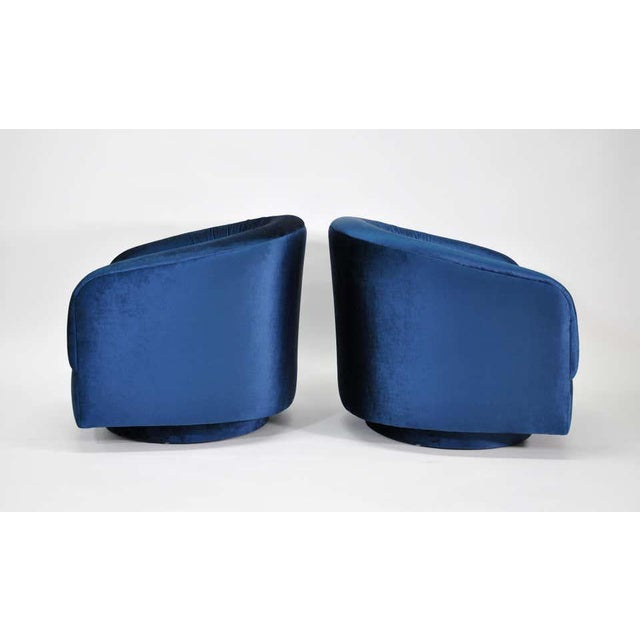 1970s Milo Baughman for Thayer Coggin Blue Velvet Swivel Lounge Chairs - a Pai For Sale - Image 5 of 9