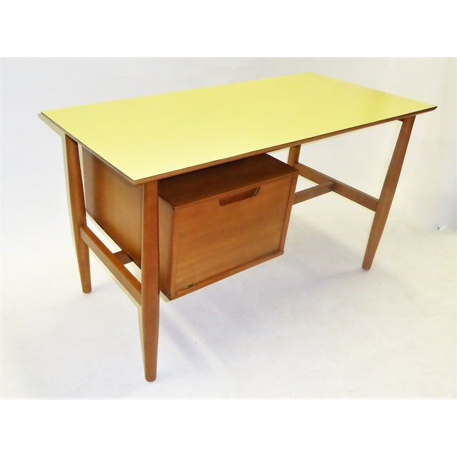 1950s Mid-Century Modern Blond Elm Writing Desk by Milo Baughman for Drexel For Sale - Image 12 of 13