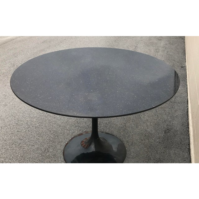 1980s Contemporary Marble Tulip Dining Table For Sale - Image 4 of 9