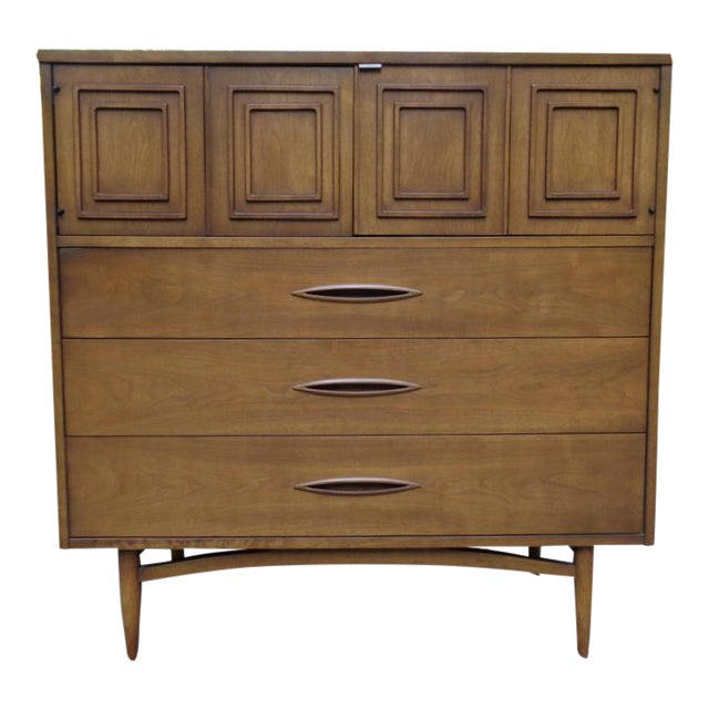 Vintage Broyhill Sculptra Gentleman's Chest of Drawers Dresser For Sale