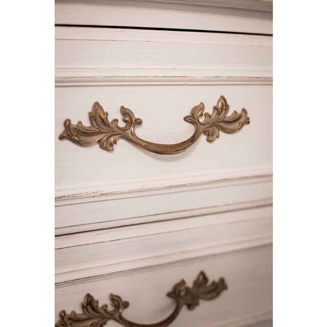 Thomasville Vintage White French Provincial Chest of Drawers - Image 3 of 9