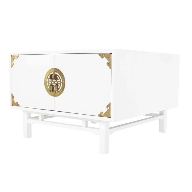 Lacquer Vintage Mid Century Square White Lacquer End Tables Campaign Style Brass Pulls- a Pair For Sale - Image 7 of 9