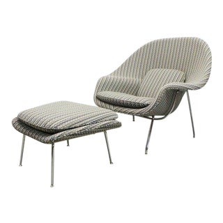 Modern Eero Saarinen for Knoll Athentic Womb Chair & Ottoman For Sale