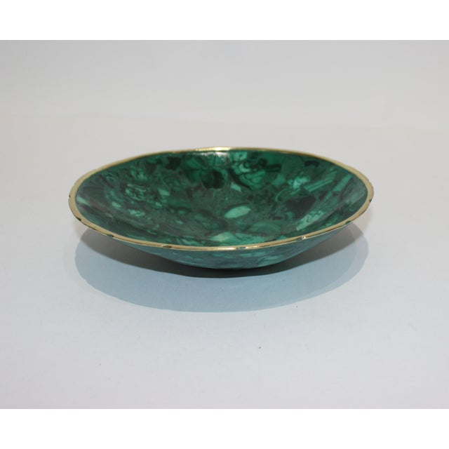 Hand-Crafted Malachite Bowl With Scalloped Brass Edging For Sale - Image 4 of 12