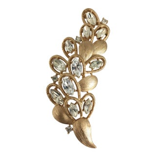 Trifari Gold Tone Brooch Pin For Sale