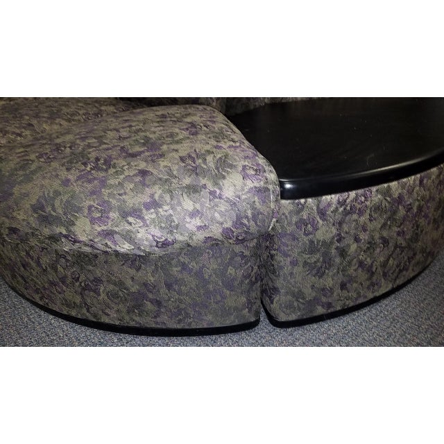 Art Deco Vintage Brocade Round Lobby Settee For Sale - Image 3 of 6