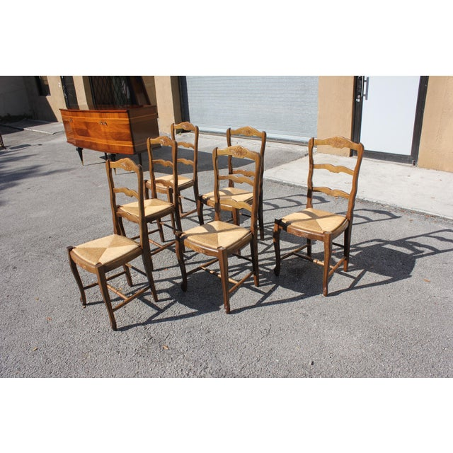 1910s Vintage French Country Rush Seat Solid Walnut Dining Chairs - Set of 6 For Sale - Image 4 of 13