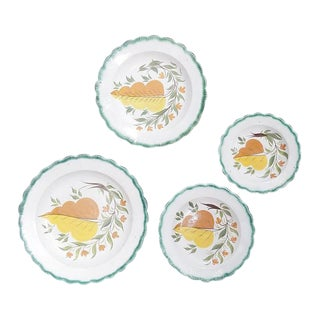 Green Shell-Edged Nested Oak Leaf Design Small Dishes - Set of 4 For Sale