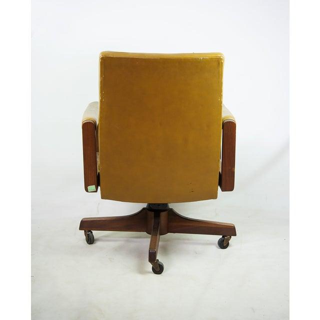 1970s Gunlocke Co. Yellow Swivel Office Chair - Image 4 of 10