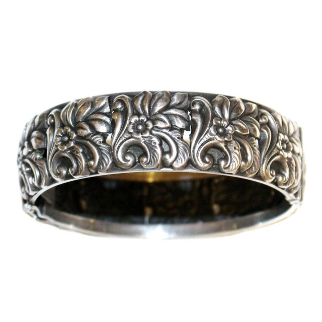 1950s Sterling Silver Floral Repoussé Hinged Bangle For Sale - Image 4 of 7