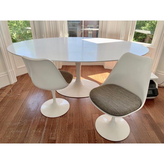 Eero Saarinen Eero Saarinen Dining Chair For Sale - Image 4 of 5