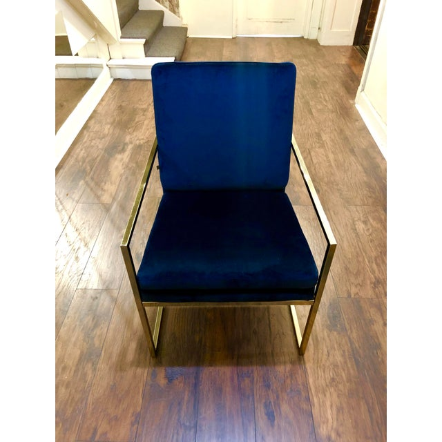 Looking for the perfect accent chair! This chair is a combination of glam, modern, functional and especially comfortable....