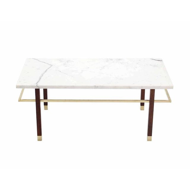 Mid-Century Modern Harvey Probber Marble Top Rectangular Coffee Table w/ Brass Rectangular stretche For Sale - Image 3 of 7