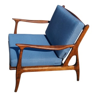 Vintage Mid Century Italian Modern Sculpted Walnut Lounge Chair For Sale