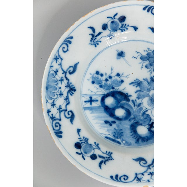 Farmhouse Antique 18th-Century Delft Dutch Chinoiserie Floral Plate For Sale - Image 3 of 8