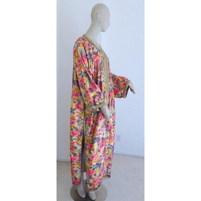 Elegant Moroccan Caftan Metallic Floral Silk Brocade For Sale - Image 12 of 13