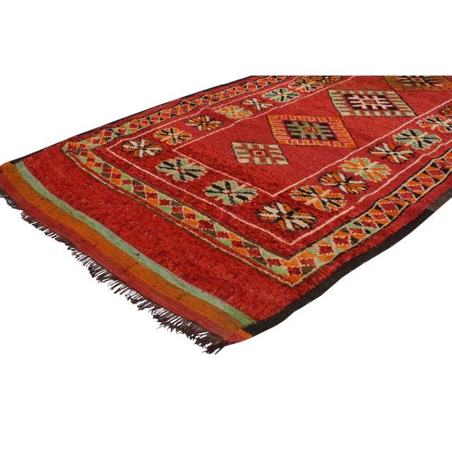 "Vintage Red Berber Moroccan Rug - 3'10"" x 6'6"" - Image 2 of 6"