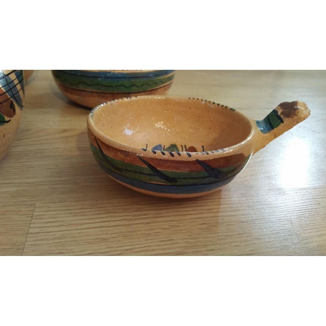 Rustic 20th Century Mexican Tlaquepaque Nesting Chili Bowls - Set of 4 For Sale - Image 3 of 9