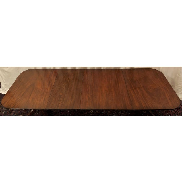 English Traditional Antique English Mahogany Dining Table With 2 Leaves. For Sale - Image 3 of 6
