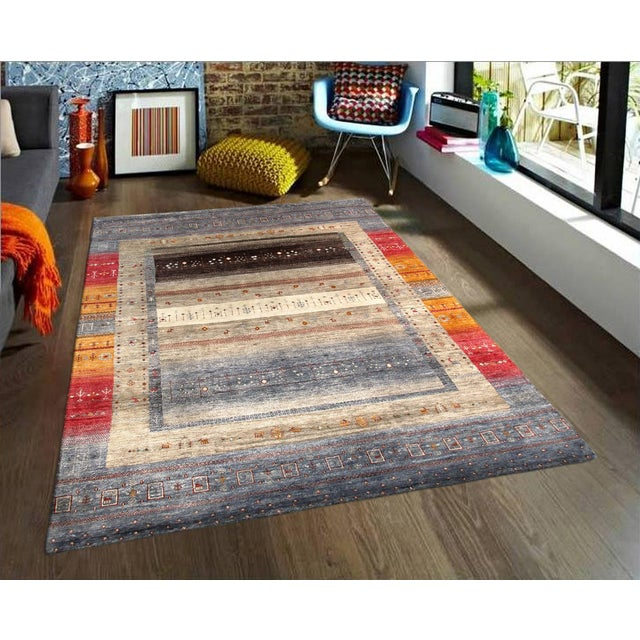 """Tribal Hand-Knotted Shiraz Wool Rug - 5'6"""" x 7'7"""" - Image 4 of 4"""