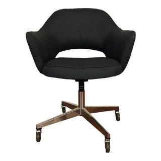 Vintage Saarinen for Knoll Executive Office Arm Chair on Castors For Sale