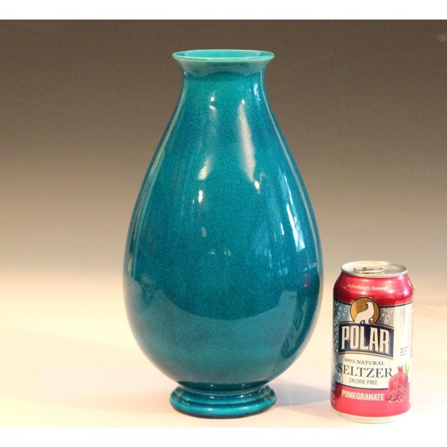 Ceramic Robertson Hollywood Ca Pottery Art Deco Turquoise Crackle Glaze Vintage Vase For Sale - Image 7 of 9