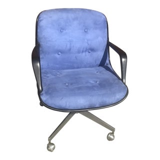 Mid Century Modern Steelcase Swivel Office Chair on Wheels Newly Upholstered For Sale