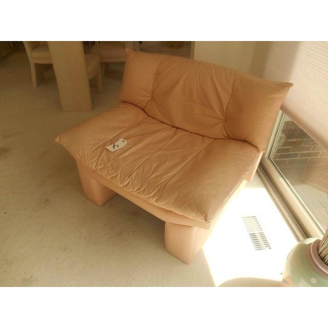 Oriental Gondola Style Salmon Leather Chair - Image 3 of 4