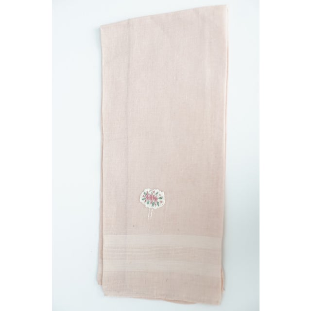 Cotton Vintage Fine Cotton Pink Crocheted Guest Towel For Sale - Image 7 of 9