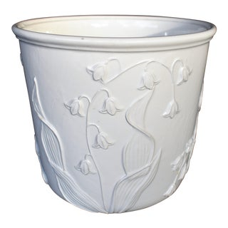 White Lily of the Valley Motif Cachepot For Sale