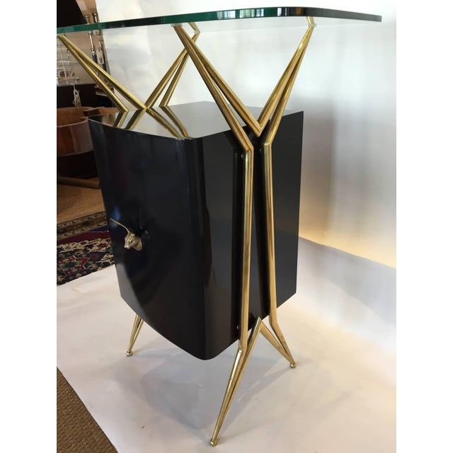 1960s Italian Modernist Dry Bar with Floating Glass Top and Brass Accents For Sale - Image 5 of 6