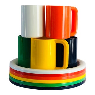 1970s Mid-Century Modern Rainbow Color Plastic Cups and Plates - 12 Pieces Set For Sale