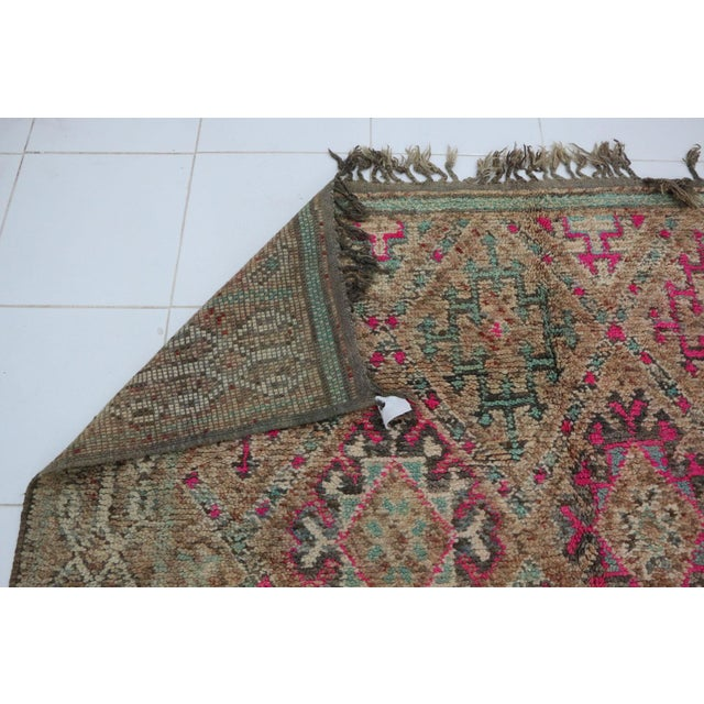 """Boho Chic 1970's Vintage Moroccan Boujad Rug- 5'9"""" X 9'8"""" For Sale - Image 3 of 6"""