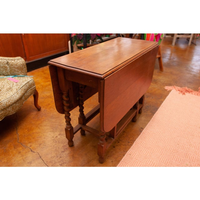 Traditional 20th Century Traditional Oak Barley Twist Gate Leg Drop Leaf Table For Sale - Image 3 of 11