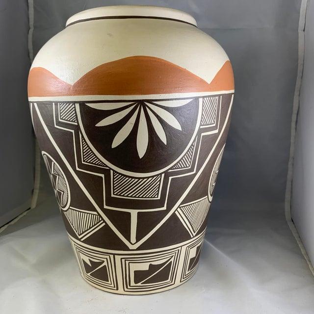 Vintage Stella Teller Southwestern Polychrome Mountain Design Painted Vase For Sale - Image 9 of 13