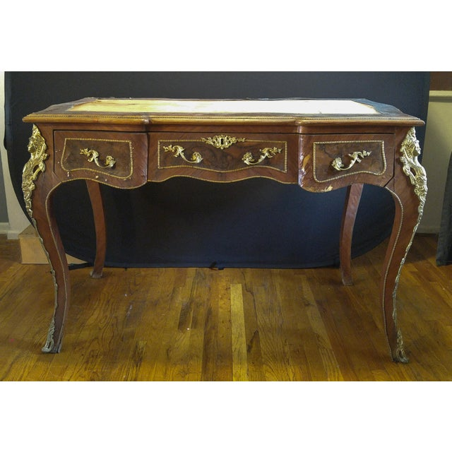 Add a little ancien régime to your home with this very handsome, well-made bureau plat (writing desk/library table) in the...