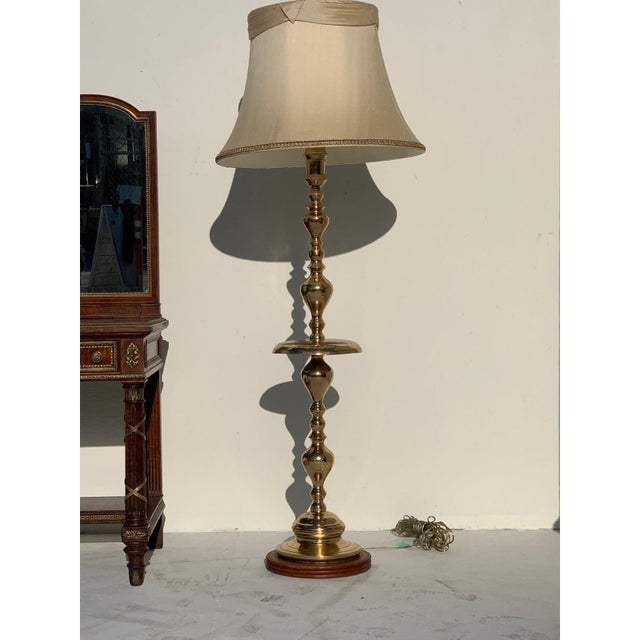 Hollywood Regency 1960s Hollywood Regency Brass Floor Lamp With Shade For Sale - Image 3 of 10