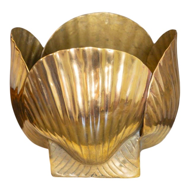 Mid 20th Century Vintage Brass Shell Vase For Sale