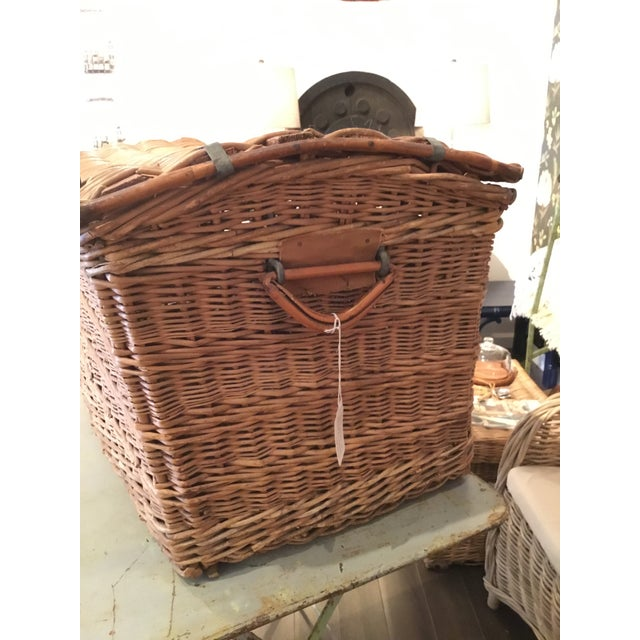 20th Century French Woven Wicker Basket For Sale - Image 4 of 13